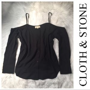 NWOT Cloth & Stone medium cold shoulder top